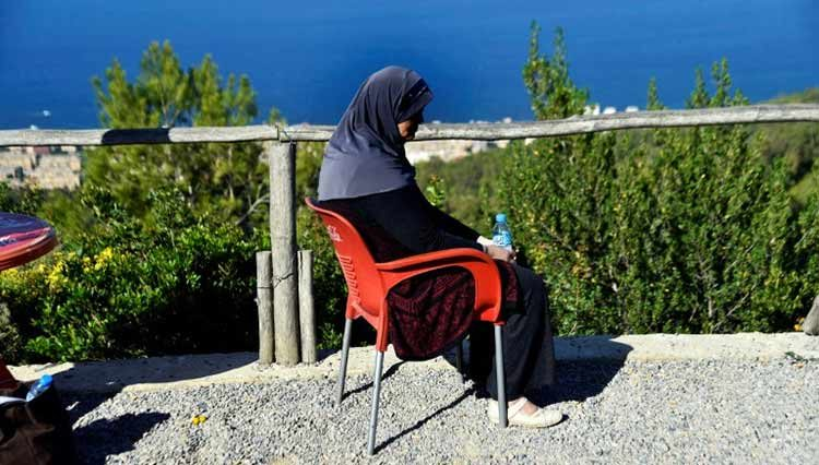 AFP / RYAD KRAMDI Samia Gasmi, présidente de l'association de lutte contre le cancer