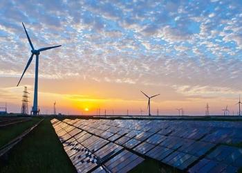 Eoliennes et centrales solaires dans le Sahara feraient davantage pleuvoir