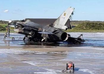Belgique: un technicien tire par erreur sur un F16 de l'armée qui prend feu