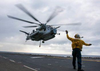Contamination au COVID-19 à bord d'un porte-avions Américain