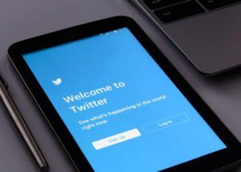 Un adolescent de 17 ans, accusé d'avoir organisé un piratage massif sur Twitter