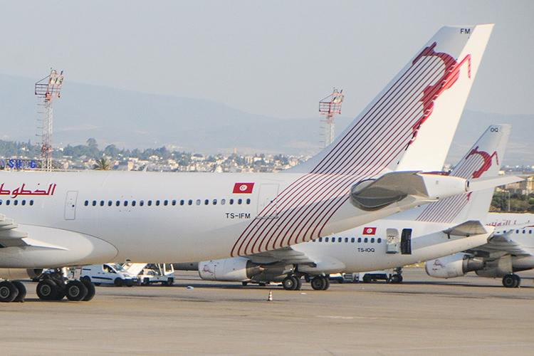 Tunisair réfute les accusations de vol d'une passagère et menace de porter plainte