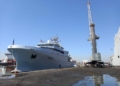 Un bâtiment militaire français chargé de 3 conteneurs d'oxygène liquide arrive à Tunis